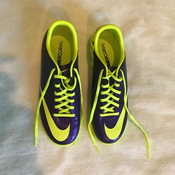 official photos 5d021 a325a Nike Mercurial, purple and neon yellow turf shoe